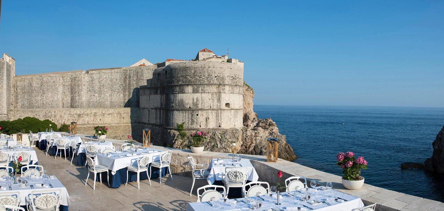 dubrovnik-terrace-with-enchanting
